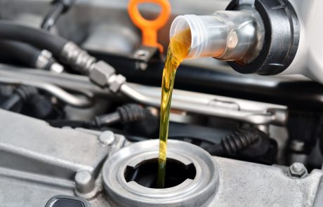 חסר שמן ברכב? איך תדעו איזה סוג שמן מתאים לרכב שלך?