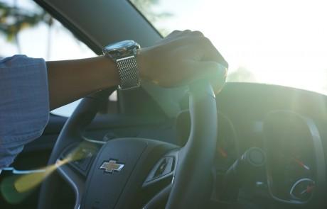 איך מכוונים לשעון קיץ ברכב?
