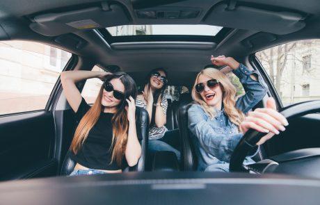 אוהבת לשמוע מוזיקה בקולי קולות ברכב? טיפים איך לשדרג את מערכת השמע ברכב
