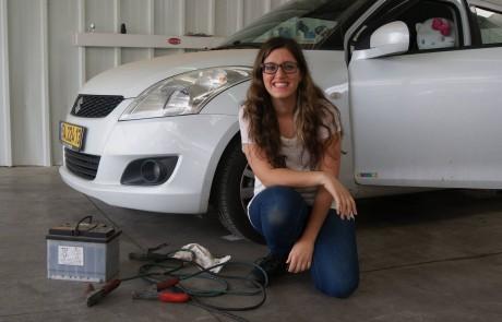 תקלה במצבר? איך תניעי את הרכב עם כבלים?