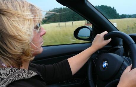 רוצה להתחיל ללמוד נהיגה אבל מפחדת?